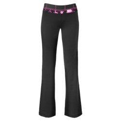 The North Face Tadasana VPR Pants (For Women) in Tnf Black/Linaria Pink