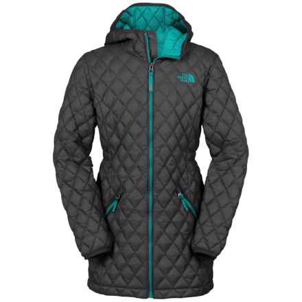 The North Face ThermoBall® Hooded Parka - Insulated (For Little and Big Girls) in Graphite Gry/Kokomo Green - Closeouts