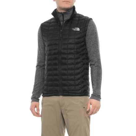 b180dfcb91be8 the-north-face-thermoball-vest-insulated-for-men-in-tnf-black~p~325jm 02~440~40.2.jpg