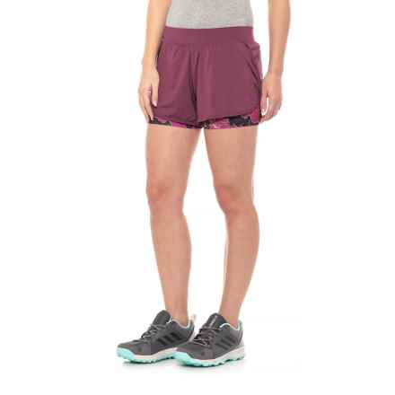 The North Face Versitas 2-in-1 Shorts (For Women) in Crushed Violets/Wild Aster Purple Print - Closeouts