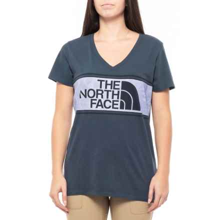 031acd339d The North Face Well-Loved Boyfriend V-Neck T-Shirt - Short Sleeve