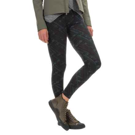 Threads 4 Thought Printed Fleece Leggings (For Women) in Nordic Quilt - Closeouts