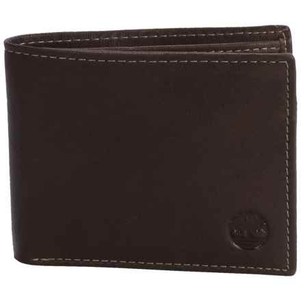 Timberland Blix Passcase Wallet - Leather in Brown - Closeouts