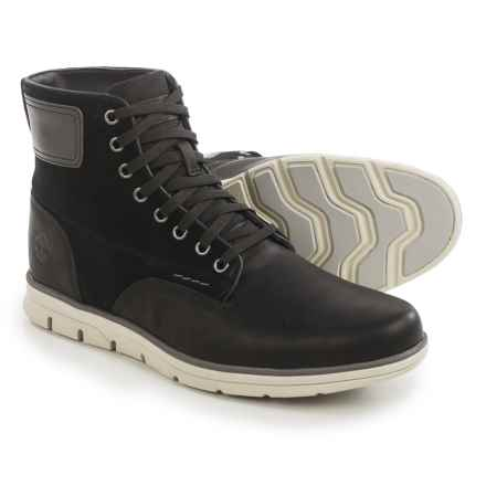 Timberland Bradstreet Chukka Boots - Leather (For Men) in Black - Closeouts