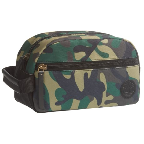 Timberland Camo Travel Kit in Olive