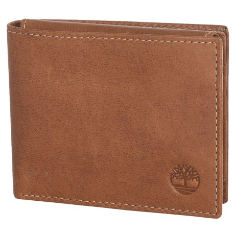 Timberland Cloudy Leather Passcase Wallet in Tan