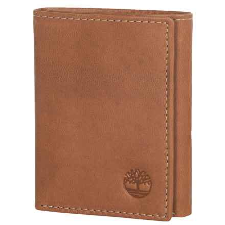 Timberland Cloudy Leather Trifold Wallet in Tan - Closeouts