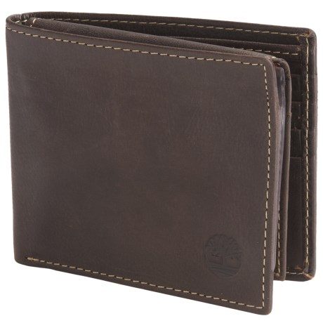 Timberland Cow Crunch Leather Passcase Wallet in Brown