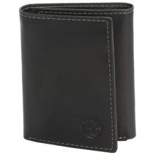 Timberland Hunter Leather Trifold Wallet in Black - Closeouts