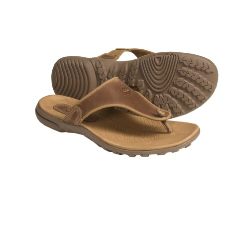 Timberland Pinkham Notch Sandals - Leather Thongs, Recycled Materials (For Women) in Tan