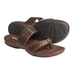 Timberland Pleasant Bay Sandals - Leather Thongs, Recycled Materials (For Women) in Brown