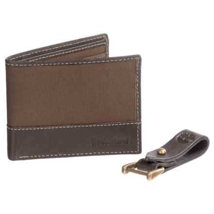 Timberland Wallet and Leather Key Clip Gift Set (For Men) in Dark Brown - Closeouts