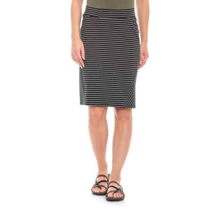 "Toad&Co Black Thin Stripe Transita Skirt - UPF 30+, 21"" (For Women) in Black Thin Stripe - Closeouts"