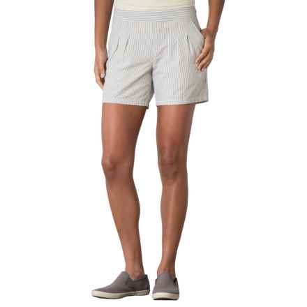 Toad&Co Pleated Seersucker Shorts - Organic Cotton (For Women) in Light Ash - Closeouts
