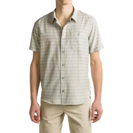 Toad&Co Wonderer Shirt - Short Sleeve (For Men) in Light Ash - Closeouts