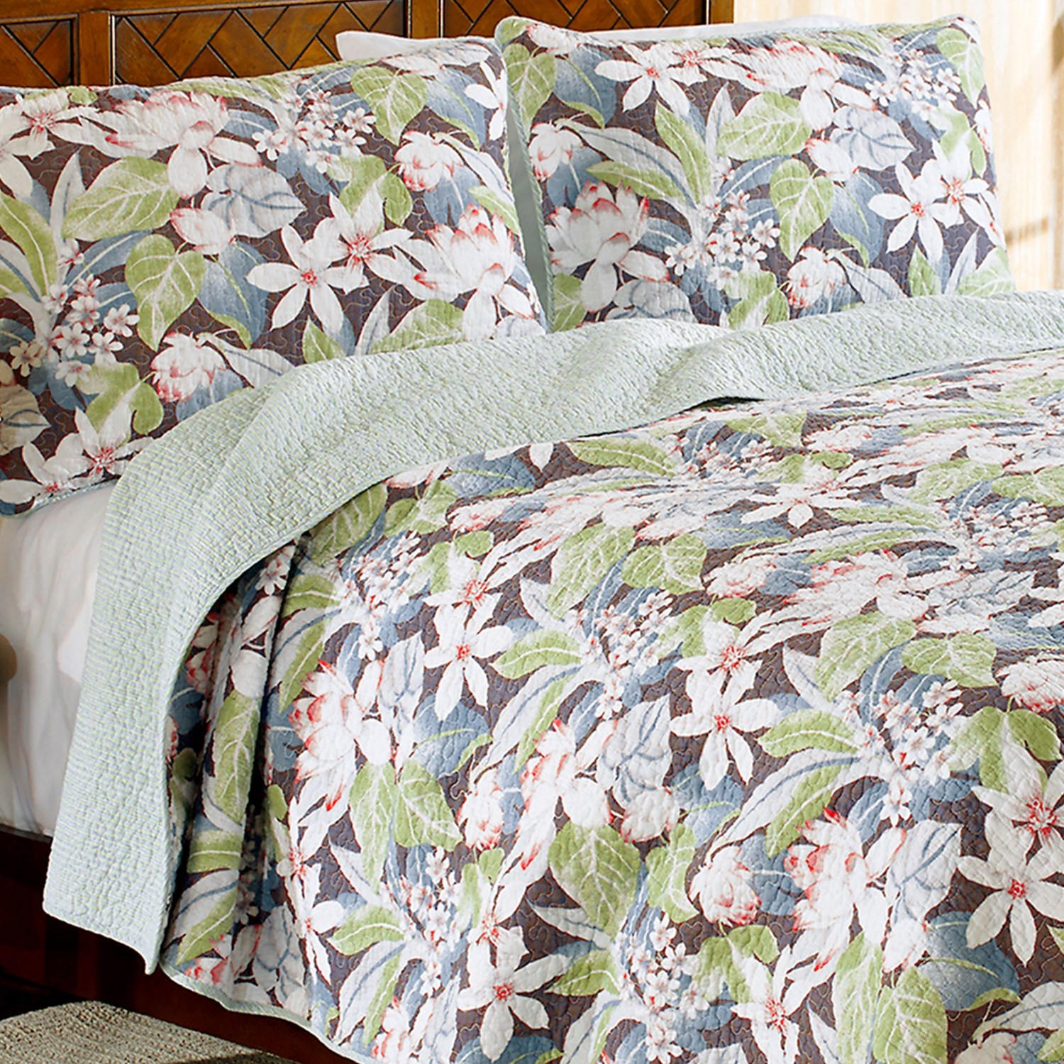 Tommy Bahama Dulcina Quilt Set King In Silver Blue