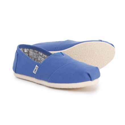 Toms Classic Canvas Shoes Slip Ons For Women In Regatta Blue