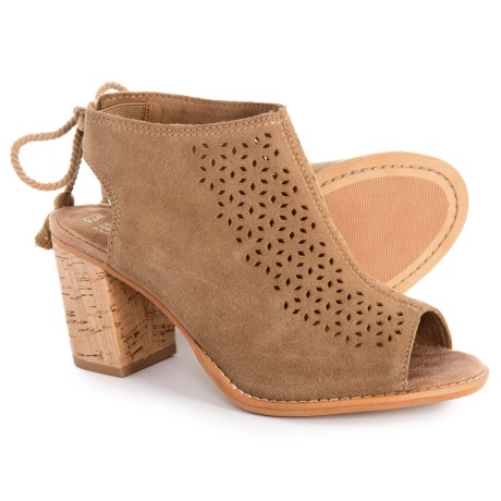 d7a9ff90639 TOMS Elba Booties - Suede (For Women) in Toffee