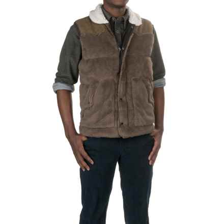 True Grit Pebble Pile Vest - Insulated (For Men) in Vintage Brown - Closeouts
