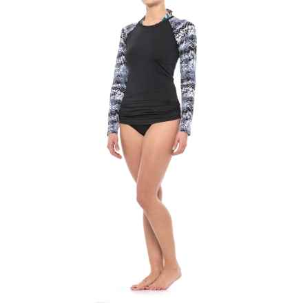 TYR Emerald Lake Belize Rash Guard - UPF 50+, Long Sleeve (For Women) in Black/Grey - Closeouts