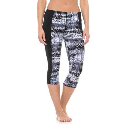 TYR Emerald Lake Flex Splice Capri Leggings - UPF 50+ (For Women) in Black/Grey - Closeouts