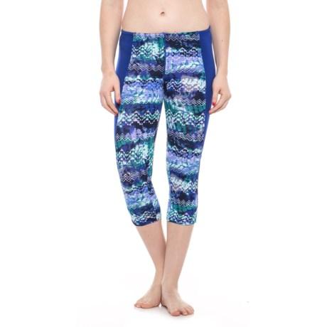 TYR Emerald Lake Flex Splice Capri Leggings - UPF 50+ (For Women) in Velvet/Turquoise