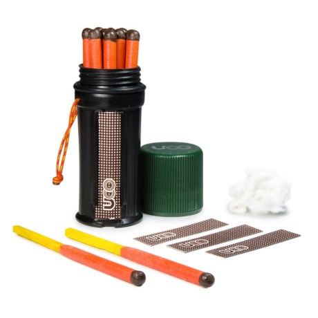 UCO Gear UCO Titan Stormproof Matches Kit - Waterproof in Black/Green