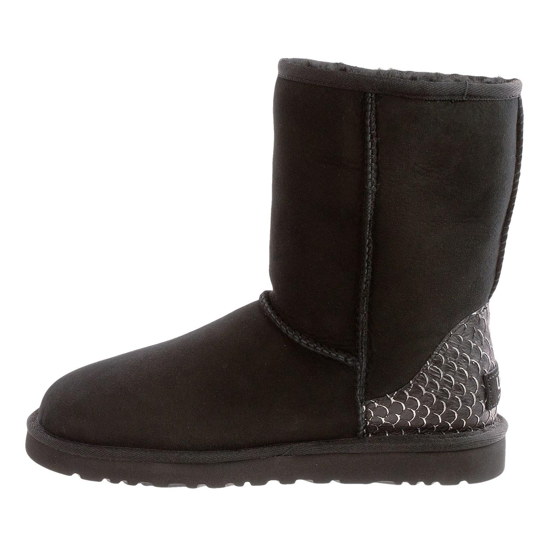 ugg australia classic short perla boots for women 9578g. Black Bedroom Furniture Sets. Home Design Ideas