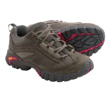 Vasque Mantra 2.0 Low Trail Shoes - Nubuck (For Women) in Gargoyle/Bright Rose - Closeouts
