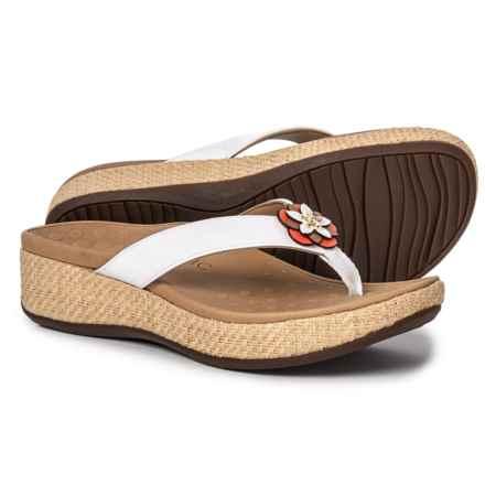 d2155ff32 Vionic Women s Footwear  Average savings of 36% at Sierra Trading Post