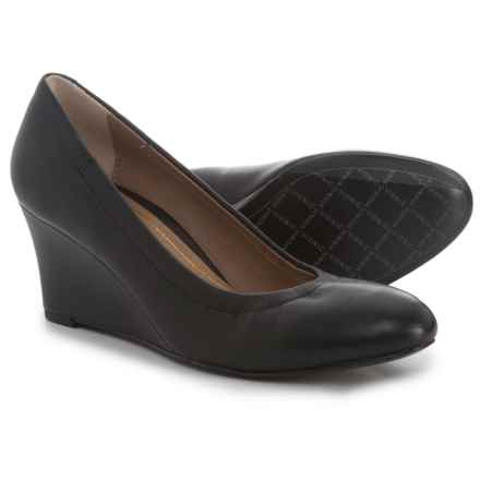 Vionic with Orthaheel Technology Camden Wedge Shoes - Leather (For Women) in Black - Closeouts