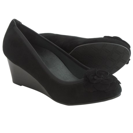 Vionic with Orthaheel Technology Hayes Wedge Shoes Suede (For Women)