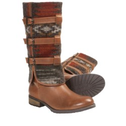 Vogue The Infield Boots (For Women) in Picante