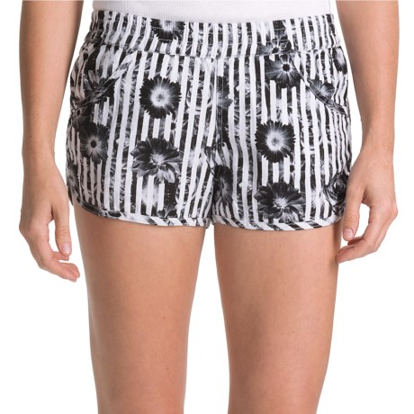 Volcom Rev Up Beach Shorts - Linen Blend (For Women) in Black Combo