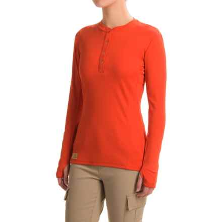 Western Rise Holy Cross Henley Shirt - UPF 30+, Long Sleeve (For Women) in Campfire - Closeouts
