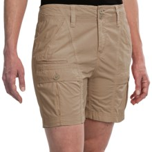 White Sierra Canyon Cargo Shorts (For Women) in Bark - Closeouts