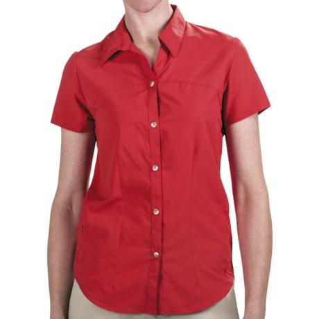 White Sierra Gobi Desert Shirt - UPF 30, Short Sleeve (For Women) in Hibiscus
