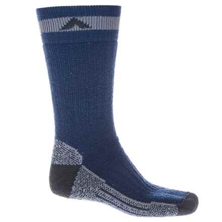 Wigwam Canada II Socks - Mid-Calf (For Men and Women) in Navy - 2nds