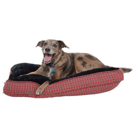"Williamstown Home Balboa Plaid Rectangle Dog Bed - 28x40"" in Red"