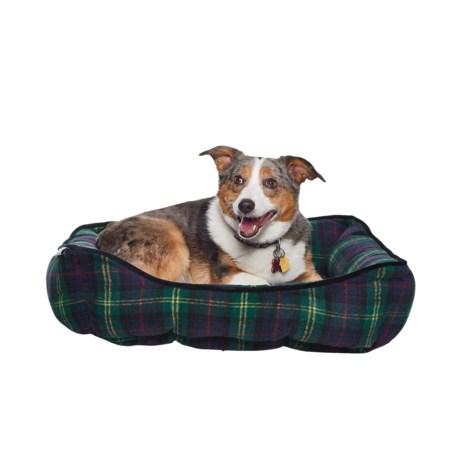 "Williamstown Home Frankfurt Plaid Cuddler Dog Bed - 24x19"", Reversible in Green Multi"