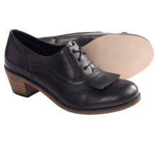 Wolverine 1000 Mile Nesbit Kiltie Oxford Shoes - Factory 2nds (For Women) in Black - 2nds