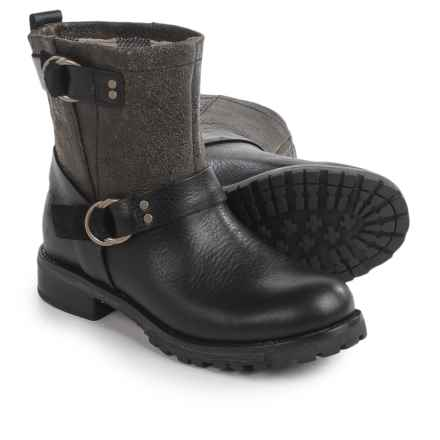 Woolrich Baltimore Boots (For Women) in Black Crackle Leather - Closeouts