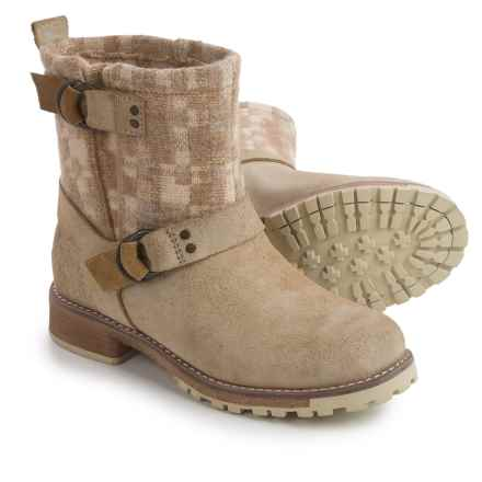 Woolrich Baltimore Boots (For Women) in Teak/Camo Wool - Closeouts