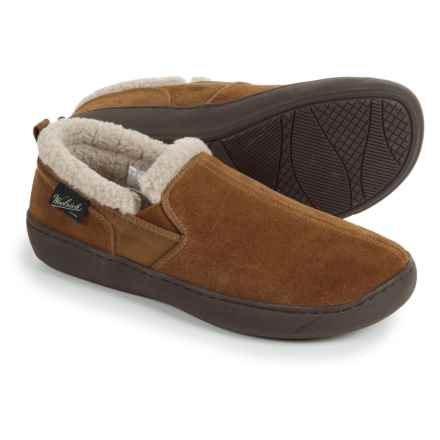 Woolrich Buck Run Slippers - Suede, Fleece Lined (For Men) in Chestnut - Closeouts