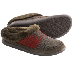 Woolrich Dove Creek Slipper Shoes (For Women) in Picante