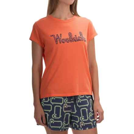 Woolrich Four Corners Graphic T-Shirt - Short Sleeve (For Women) in Guava - Closeouts