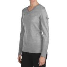 Woolrich Laurel Sweater - V-Neck (For Women) in Frost - Closeouts