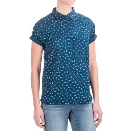Woolrich Spoil Her Printed Popover Shirt - Short Sleeve (For Women) in Atlantic - Closeouts