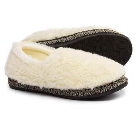 Woolrich Whitecap Moccasin Fleece Slippers (For Women) in Creampuff - Closeouts