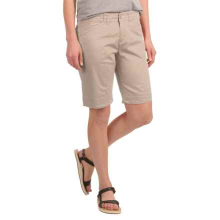 Woolrich Wood Dove Chino Shorts - Stretch Cotton Twill (For Women) in Khaki - Closeouts